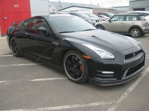 2014 Nissan GT-R Black Edition (DCT) : Defies Description!