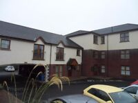 EXCELLENT 2 BED APARTMENT ON CLANDEBOYE ROAD - GAS HEATING, DHSS WELCOME, £550pm, AVAIL 1st AUG 2018