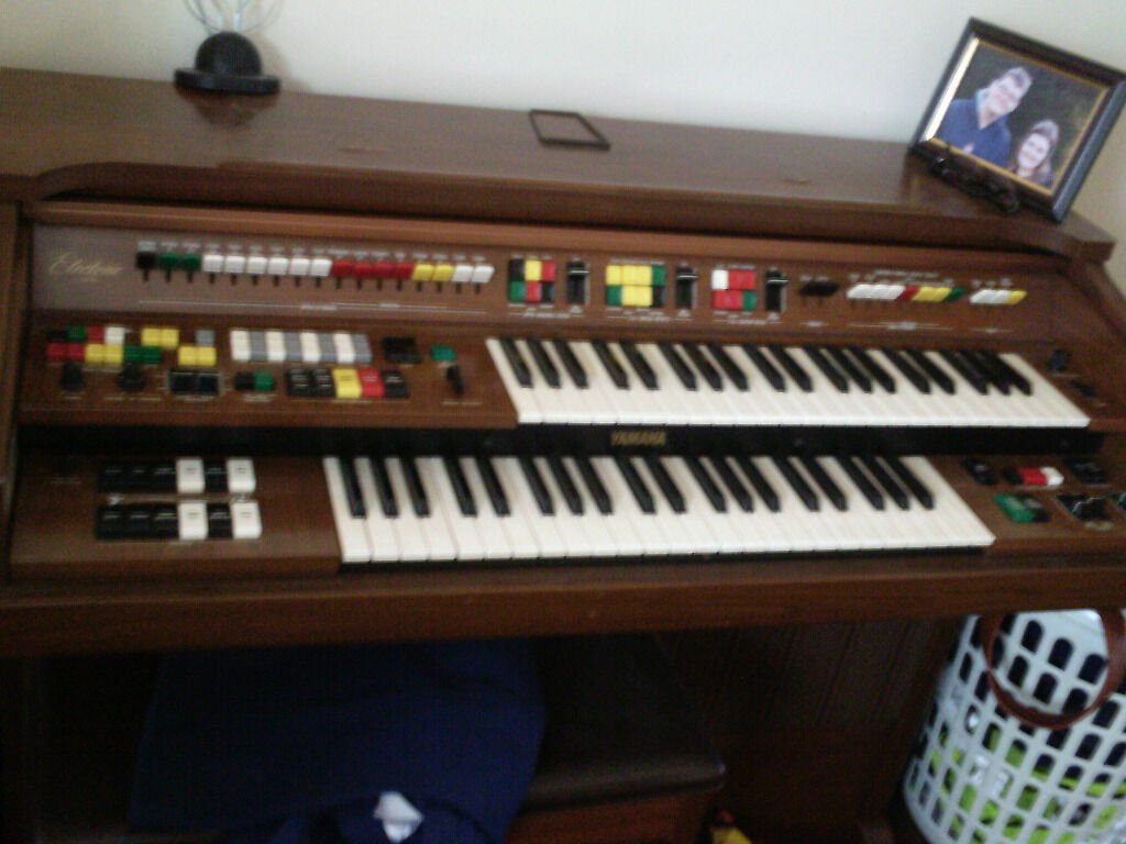 Yamaha electone organ model c405 in chelmsley wood west for Yamaha electone organ models