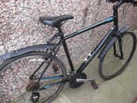 Specialized Sirrus Hybrid Bicycle, near new condition, Bargain! Bike, Cycle.