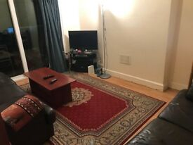 Single Room in a clean and tidy House (Next to Sudbury Town Station - UB6 0QP)