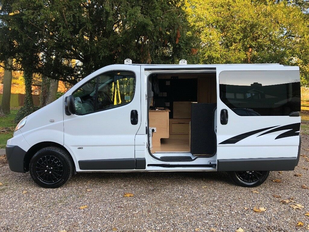 2011 renault trafic 2 0 dci 115 camper van 2 berth. Black Bedroom Furniture Sets. Home Design Ideas