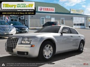 2005 Chrysler 300 *Heated Seats. Trailer Hitch. Leather*