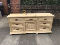LARGE SOLID PINE AMERICAN SIDEBOARD IN GOOD USED CONDITION LOCAL DELIVERY IS POSSIBLE 07486933766