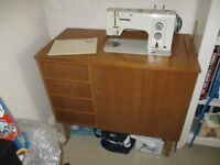 BERNINA FAVORIT 840 SEWING MACHINE
