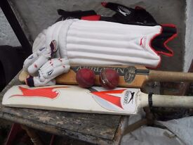 CRICKET SET IN KIT BAG INCLUDES TWO BATS ONE IS A HAND MADE WILLOW NEWBERY VALUED AT £360