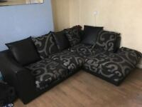 LOVELY BLACK & GREY FABRIC CORNER SOFA MUST GO ASAP - CHEAP DELIVERY - £225