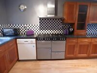 Six Bedroom House in Redditch avaliable, rooms varying from £320-400 Per month. All bills included.