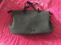 Under Armour On the Run Tote Gym Bag (Olive Green)