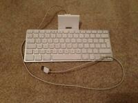 Apple Keyboard Dock for 30 pin iPad/iPhone