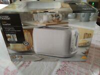 Brand New Light Grey 2 slice Toaster