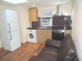 Richmond Road, Cathays. Newly Refurbished 1 Bedroom First Floor Flat **No Fees* Internet Included*