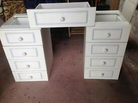 Drawers for dressing table