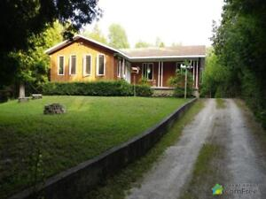 $325,000 - Raised Bungalow for sale in Tobermory