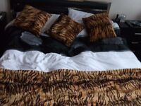 BED RUNNER + 3 MATCHING CUSHIONS in FAUX FUR TIGER PRINT. - NEW