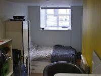 1 Modern Studio Apartment on Clifton Triangle