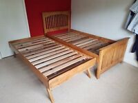 Solid boxwood pop up trundle guest bed. Single to double bed includes mattresses