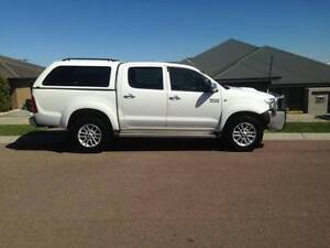 2009 Toyota Hilux SR5 Dual Cab 4 x 4 Ute Bolwarra Heights Maitland Area Preview