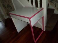 WHITE AND PINK GIRLS DESK AND SWIVEL CHAIR