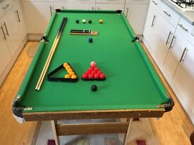 Pot black snooker and pool table