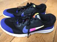 Nike running shoes - 18 ONO