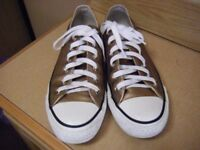 Gold Converse size 6