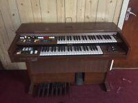 Yamaha 2 tier keyboard electric organ