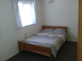 Large Lovely Double Room Available - £430pcm!!!