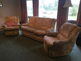 3 piece suite inc reclining chair