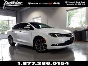 2015 Chrysler 200 S | AWD | REAR CAMERA | HEATED SEATS | UCONNEC