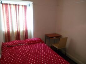 Stunning Single room well furnished with a reading table (All bills inclusive)