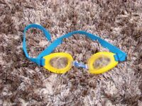 Mothercare goggles. £1.00. Torquay. Adjustable, for younger child.