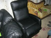 MODERN BLACK FAUX LEATHER RECLINER / RELAXER CHAIR. IN GOOD ORDER. COMFORTABLE. VIEW/DELIVERY POSS