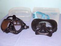 2 low profile dive masks