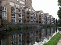 Available now! 2 bed bright spacious apartment located in Bow, Views of canal, close to dlr-TG