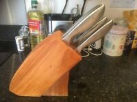 Wooden knife block with 5 knives