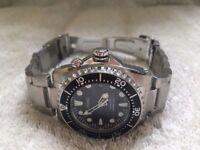 Brand new Seiko Kinetic Diver's 200M Men's Watch SKA371P1