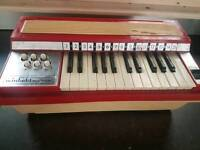 1970s Winfield audition chord organ