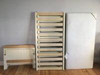 Mamas & Papas cotbed + mattress