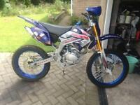 Hummer 250cc dirtbike nearly new