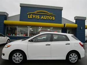 2012 Toyota Matrix BLANC 5 VITESSE ÉTAT NEUF A VOIR 16900 KM !