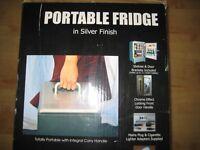 Slemcka Wanderer Portable Mini Fridge 13.5 litre (Thermoelectric Cooler/Warmer)