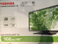 "Toshiba (40""/ 102 cm) Flat Screen like new"