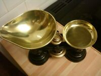 SET OF BRASS SCALES+WEIGHTS+KETTLE