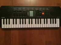 Casio SA-76AH5 mini keyboard - perfect for beginners, like new. Perfect for birthday present/gift.
