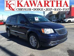 2016 Chrysler Town & Country TOURING L * BLUETOOTH LEATHER* JUST