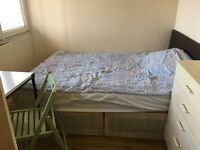 NICE SINGLE ROOM WITH DOUBLE BED IN ROEHAMPTON £120 pw (bills inc)
