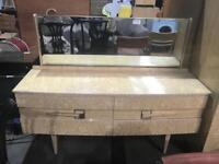 Retro dressing table and mirror
