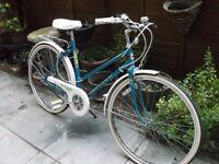 Vintage Universal Lariviera Ladies bike. 3 speed sturmey.