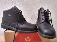 Brand new goretex boots!